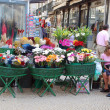 Outdoor fresh flower market on Lisbon main street(Portugal) — Stock Photo