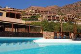 Современные Летние море курорт Вилла с бассейном (Крит, Греция) — Стоковое фото