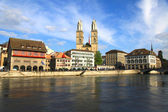 Zurich cityscape and river Limmat, Switzerland . — 图库照片