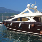 Luxury yacht in marina — Stock Photo #31416029