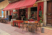 Outdoor cafe in Old Town of Nice, France — Stok fotoğraf