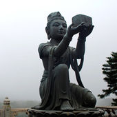 Buddhist Statue on Lantau island (Hong Kong). — Stock Photo