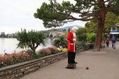 Street Performer standing imitating Statue of Mozart, Swizerland — Stock Photo