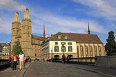 View on Grossmuenster and Limmat river bridge in Zurich, Switzer — Stock Photo