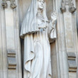Statue of saint Elizabeth Romanova from facade of Westminster Abbey. — Stock Photo
