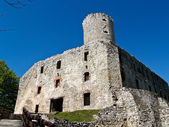 липовец готический замок, бабице, польша — Стоковое фото