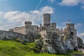 The old castle ruins of Ogrodzieniec, Poland. — Stock Photo