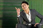 Homem de negócios fazendo gestos com as mãos — Foto Stock