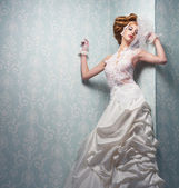 Beautful Bride Indoors — Stock Photo