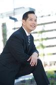 Bonito homem de negócios asiático — Foto Stock