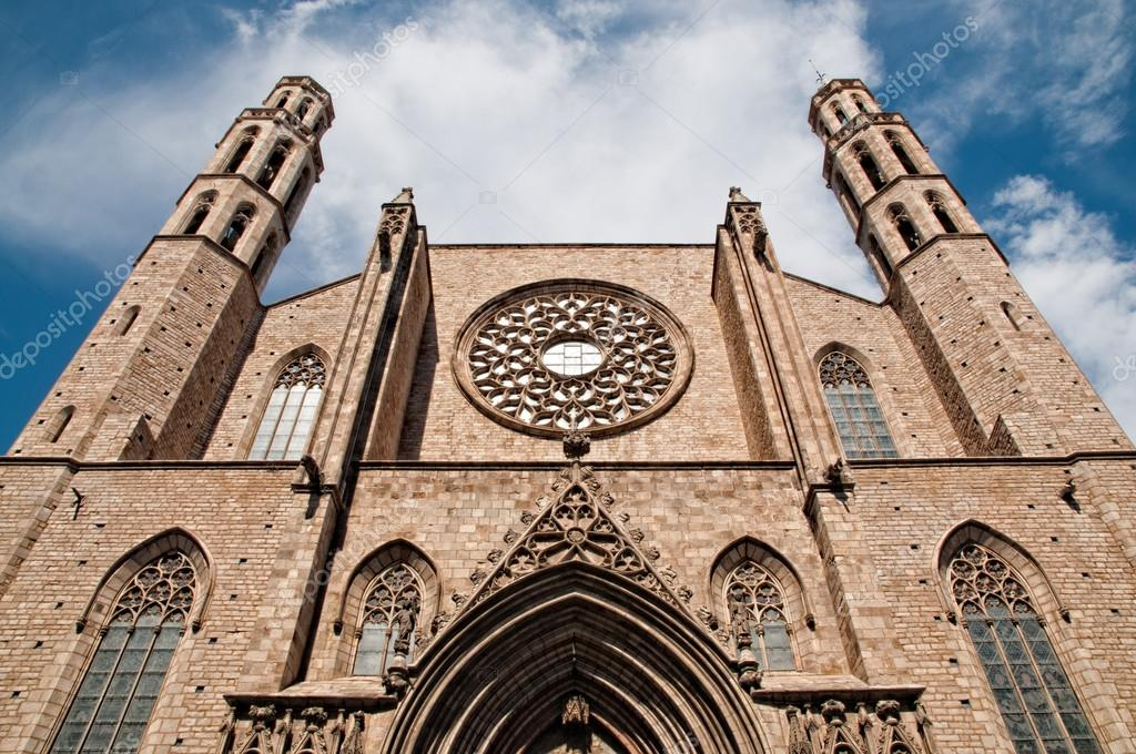 Detail of the facade of the Church of Santa Maria del Mar — Stock Photo #12772060