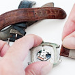 Changing watch strap — Stockfoto