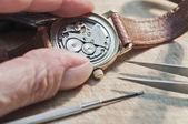 Reparação de relógios — Foto Stock