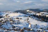 Mountain village winterlandschaft — Stockfoto