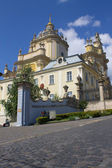 Velha igreja em lviv — Fotografia Stock