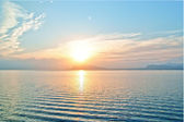 Sunset-in-the-open-sea-in-the-gulf-of-naples — Foto de Stock