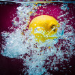 Lemon Splashing on the Watter — Stock Photo