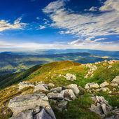 Kamienie na wzgórzu — Zdjęcie stockowe