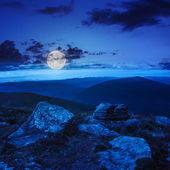 Stones on the hillside at night — Stockfoto