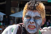 Zombie Poses at Pasadena Doo Dah Parody of the Rose Parade — Stock Photo