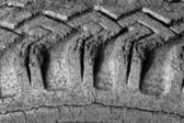 Mal rachado de pneu — Fotografia Stock