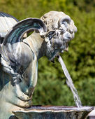 Statue at Lyndale Garden With Water Projecting from Mouth — Stock Photo