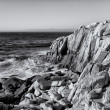 Ocean Waves at Lover's Point in Pacific Grove in Black and White — Stock Photo