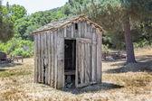 老朽化した離れ家 — ストック写真