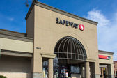 Safeway Grocery Store exterior — Stock Photo