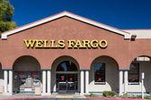 Wells Fargo Bank Exterior — Stock Photo