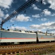 Electric train and electric infrastructure — Stockfoto