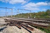 鉄道の部分使用され、修理されたサイト — ストック写真