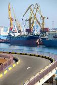 Widok na port z załadunku — Zdjęcie stockowe
