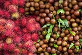 Lychees and rambutans — Stock Photo