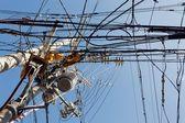 Plątaniny kabli elektrycznych — Zdjęcie stockowe