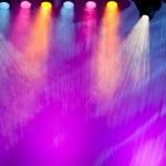 Постер, плакат: Vivid stage spotlights