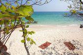Tropical beach scenery — Stock Photo