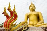 Giant buddha and dragon — Stock Photo