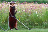 花壇の家政婦 — ストック写真
