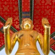 Gilded Buddha statue — Stock Photo