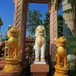 Three lion guardian statues — Stock Photo