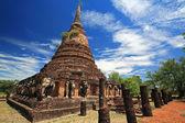 Elephant statues around ancient pagoda in Sukhothai — Stock Photo