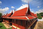 Wooden monk houses in Thai temple — Stockfoto