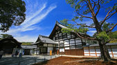 Traditional Japan temple at entrance of Golden Pavilion — Stock Photo