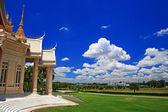 Thai temple landmark named Wat Sorapong against blue sky in Nakhon Ratchasima or Korat — 图库照片