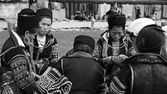 Black Hmong's women with traditional textile — Stock Photo
