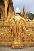 Sculpture art héritage thaïlandais de têtes d'éléphant — Photo