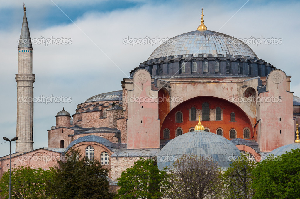 Image of the biggest christian church, then mosque and now museum, Aya Sofia in Istanbul — Stock Photo #12172930