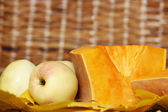 Pumpkin with apples — Stock Photo