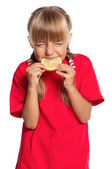 Liten flicka med citron — Stockfoto